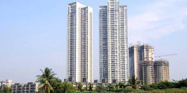 3.5 BHK Apartment in Imperial Heights at Oshiwara.