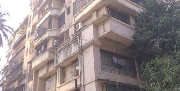 3 BHK Apartment For Sale At 13th Road, Khar West.