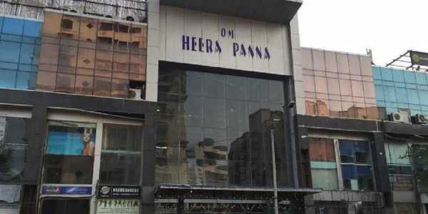 Commercial Shop for Rent in Heera Panna Mall , Andheri Link Rd , Andheri West , Mumbai.