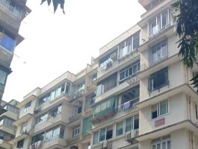 1 BHK Apartment For Sale At Peddar Road, Cumballa Hill.